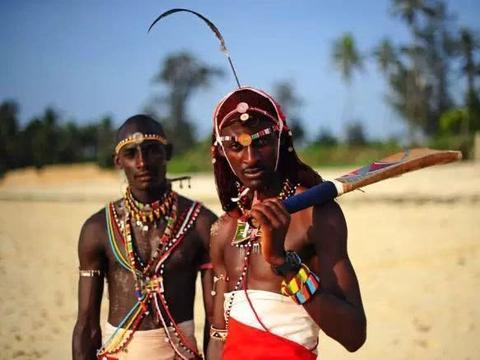 非洲有一个特殊民族,大人小孩都以血为生,而且视力都非常好!