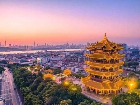 李嘉诚曾花4亿在武汉买地,10年后卖出赚百亿,却至今还没捐钱