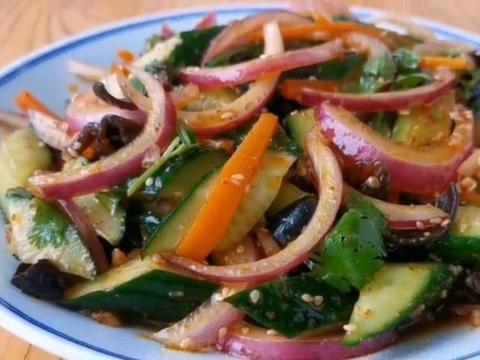 黄瓜别做老一套,教你好吃做法,清爽可口,比大鱼大肉还过瘾