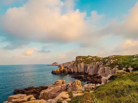 温州南麂岛一座小众离岛上这家中国罕见的悬崖洞穴民宿