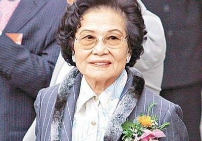 """这位91岁的中国老太太,一年收租300亿,财富""""媲美""""李嘉诚"""
