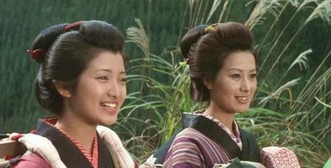 日本影星山口百惠个人照片合集,与三浦友和恋情婚姻成为佳话