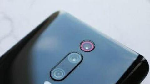 """卢伟冰清仓4G手机,128GB+骁龙855,顶级红米降到""""良心价"""""""