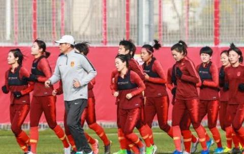 30岁生日快乐!亚足联为王珊珊庆生,女足老将驰援奥预赛