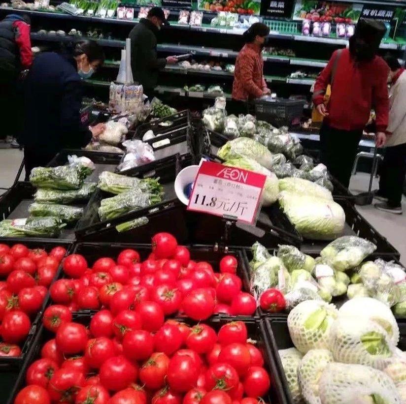大年初三,广州各大商超、菜市场供应稳定