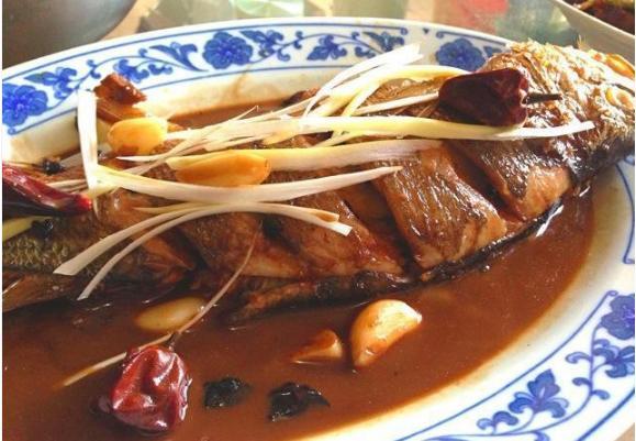 万能炖鱼法,不管是什么鱼,照这个方法炖,保证味美鲜香无腥味