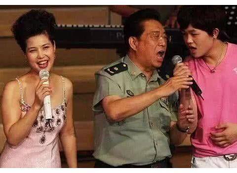 同为国家一级演员,男高音歌唱家李双江蒋大为,晚年生活却差太远