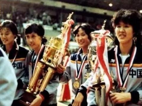 德洋品排-世界杯将随新赛制退出江湖!中国女排定格最后一个冠军