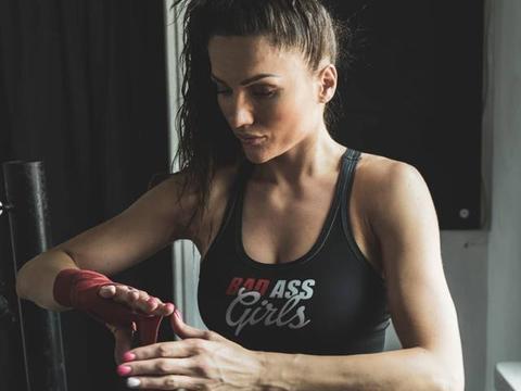 波兰美女拳王太疯狂,挑战梅威瑟,还要给花花公子杂志拍人体写真