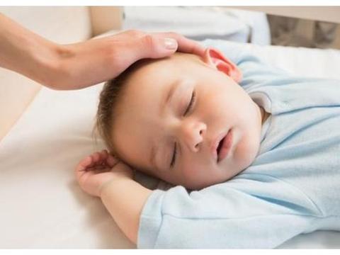 孩子睡觉时发出这样的信号,可能是身体不适的信号,孕妈要留心