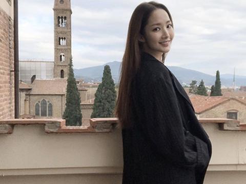 李敏镐前女友朴敏英晒近照,私服很低调,网友:真的34岁吗