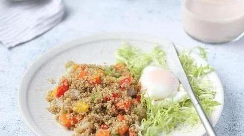 适合减肥人的早餐,藜麦鲜蔬炒饭,做法简单营养全面