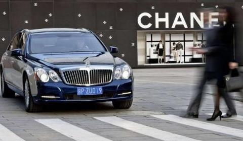 开了3.7万公里的老迈巴赫如今卖333万?知情人:车等于白送