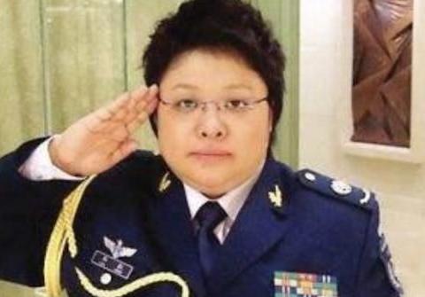 林志颖当兵照片竟撞脸古天乐,韩红当兵时是清纯软妹子一个