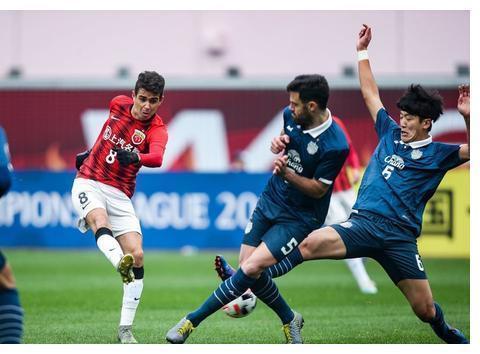 亚冠资格赛-上港3:0武里南联,买提江首秀完美,蔡慧康位置难保
