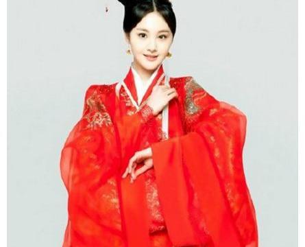 郑爽的红衣新娘妆,娜扎穿一次就能甩她十条街