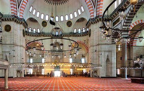 到土耳其旅游,想要参观当地寺庙除了脱鞋,还要注意这些规矩!