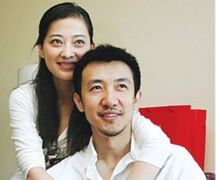 曾和导演结婚7年无子女,再婚后连生两胎,今43岁活成这样