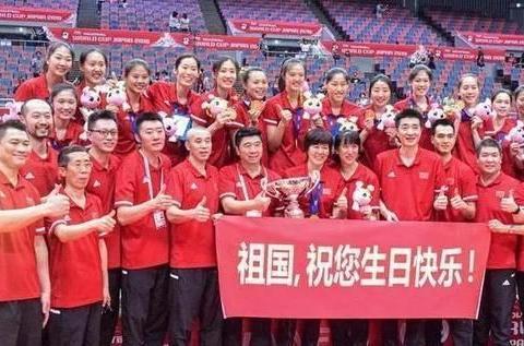 朱婷好姐妹郑益昕将要出国打球,球迷纷纷祝福她成为朱婷接班人