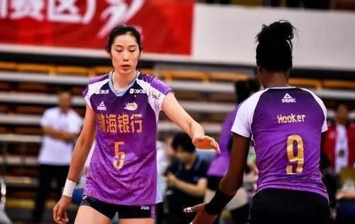 中国女排,留泰两将张晓雅孙杰已入队,天津外援胡克尔或也加盟