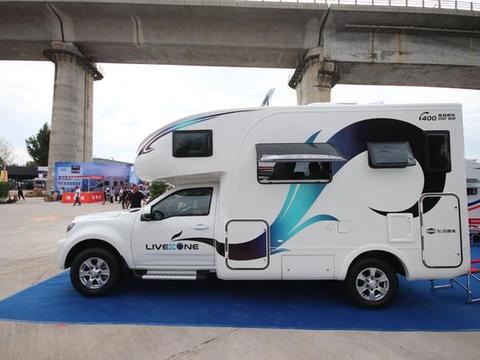 国六排放皮卡房车,配置全面升级满足一家四口出行,售价27.88万