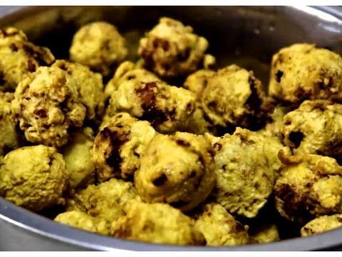 教大家豆腐丸子的家常做法,寓意着团团圆圆,过年的时候吃正合适