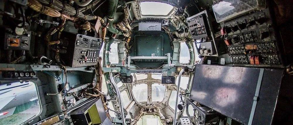 图说:别-12P水上飞机的内部什么样?可封闭水密门是其最大特色