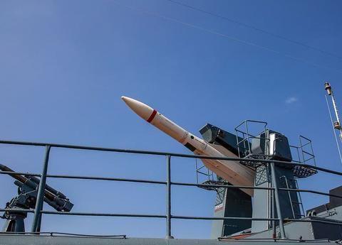 现代级驱逐舰能消灭二战期间战列舰,以小博大完全是科技的进步