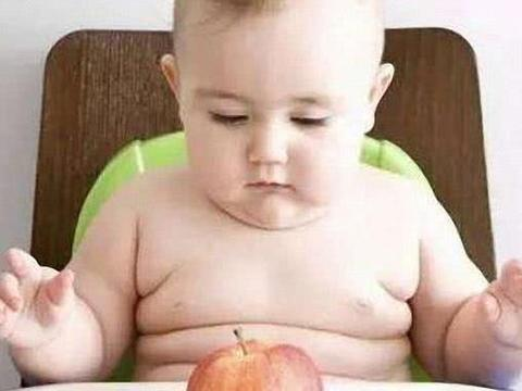 3岁宝宝不穿衣服,父母性知识的普及不能轻视
