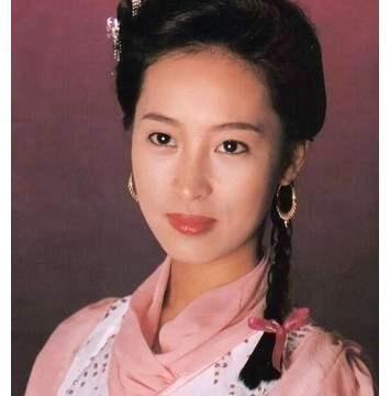 曾饰演年纪最小赵敏,和梁朝伟因戏生情,现嫁元朗铺王生活美满