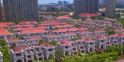 """中国""""最冷清""""别墅区,天价房屋无人购,本地人:开发商在追梦"""