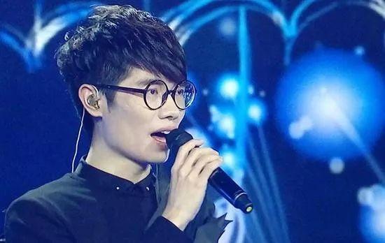 像萧亚轩这种级别的歌手去商演,真的很low吗?