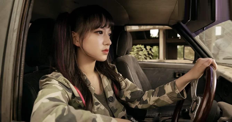 两部春节档电影转战网播,《唐探3》导演遭质疑:留着自己看吗?
