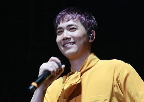 李洪基过今年第一个生日,演艺圈友人送祝福