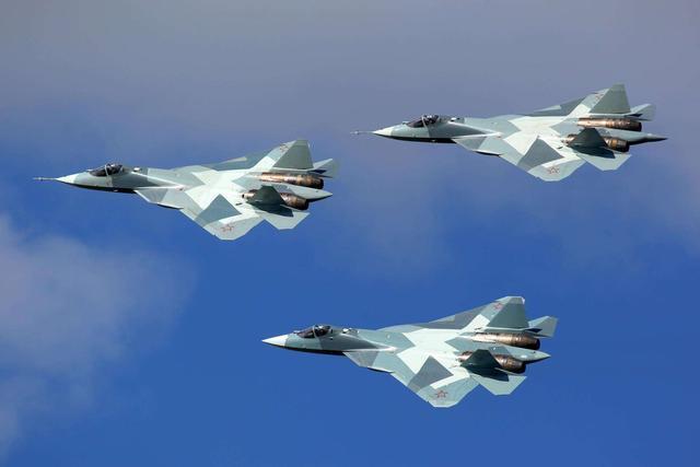 一旦美俄五代机战场遭遇,苏57和F35谁更厉害?这次牛皮真吹破了