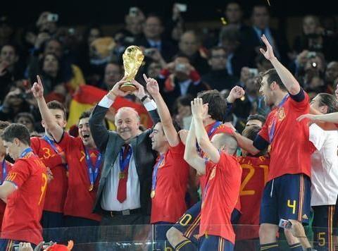 博斯克:夺世界杯的那支西班牙是我们的英雄,也是孩子们的榜样