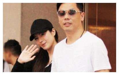 TVB女星苟芸慧与老公逛街,男方身价千万,不亚于绯闻男友郭富城