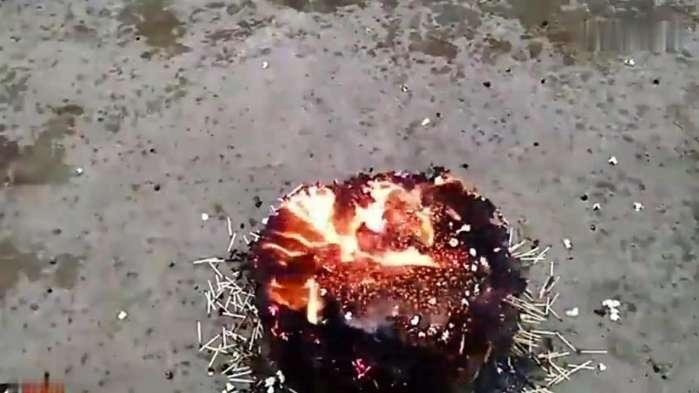 用一万根火柴制作爆米花, 最后没想到是这场景!