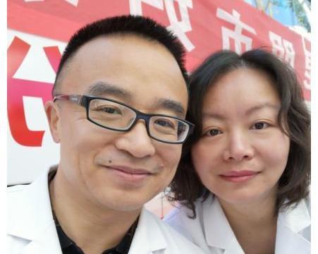昆明市妇幼保健院两夫妻同抗疫情 保障母婴平安