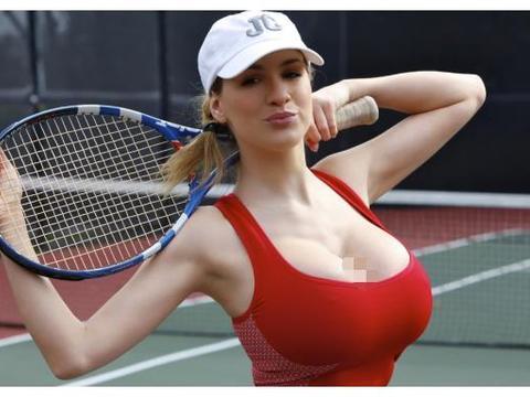 """网球丰满女神,因""""胸太大""""影响发挥,选择缩胸手术,成世界第一"""