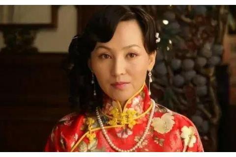 她出道时北漂,给导演生三个孩子,如今老公为她量身打造一部剧!