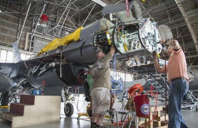 F35产量还是不够,美军要为全部F16换新雷达,能对抗俄制苏57