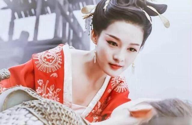 化浓妆最美的5大女星,王鸥第4,赵丽颖第3,第一美到极致