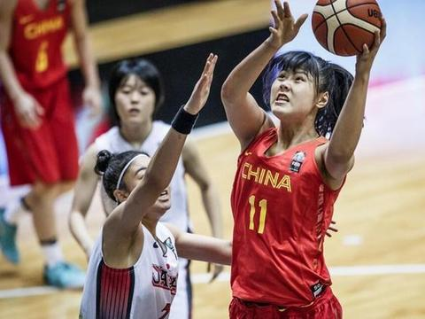 最萌大中锋李月汝获得奥运预选赛篮板王,她能超越郑海霞吗?