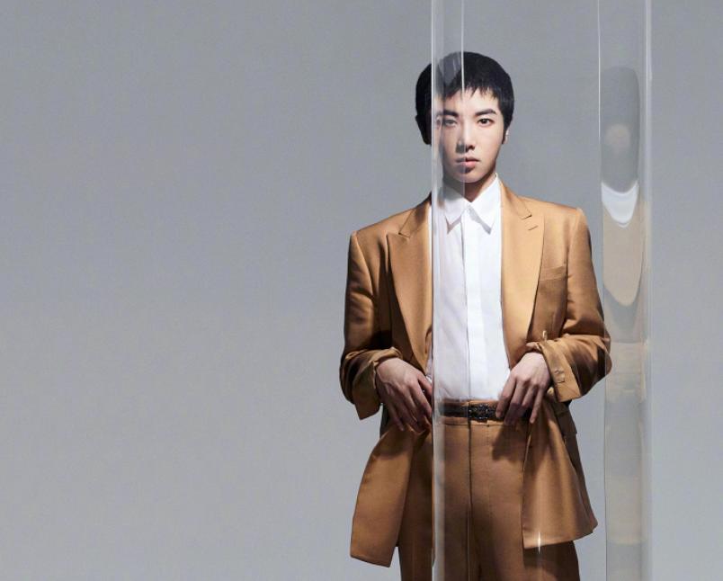 从选秀歌手到新生代第一人,被推上神坛的华晨宇,真的名副其实?