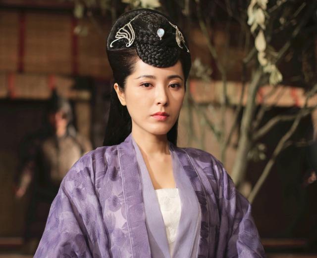 章子怡梅婷同班同学,三任男友均是影帝,今饰演后妈神助攻贺繁星