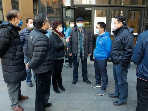 上海虹口区政协主席石宝珍一行到高顿教育视察复工期间防控工作