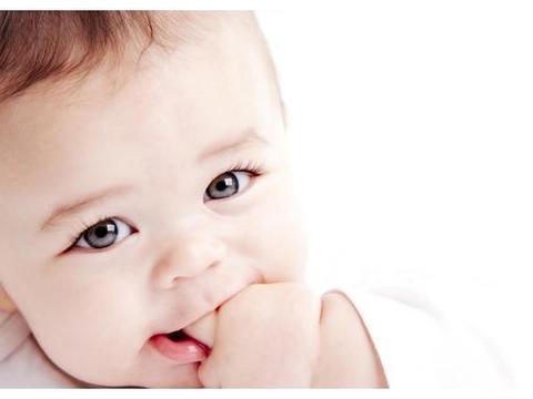 宝宝的头发又黄又稀!缺锌缺铁?家长不知原因竟然是这样……