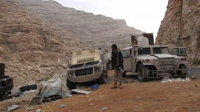 沙特阻止也门政府军溃败逃窜 不惜炸自己人发出警告