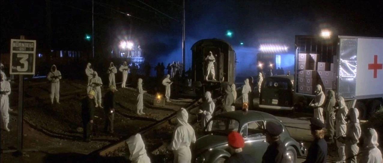 童年阴影!杀死欧洲几千万人的肺鼠疫病毒泄露,数千人被困火车上生死未卜!